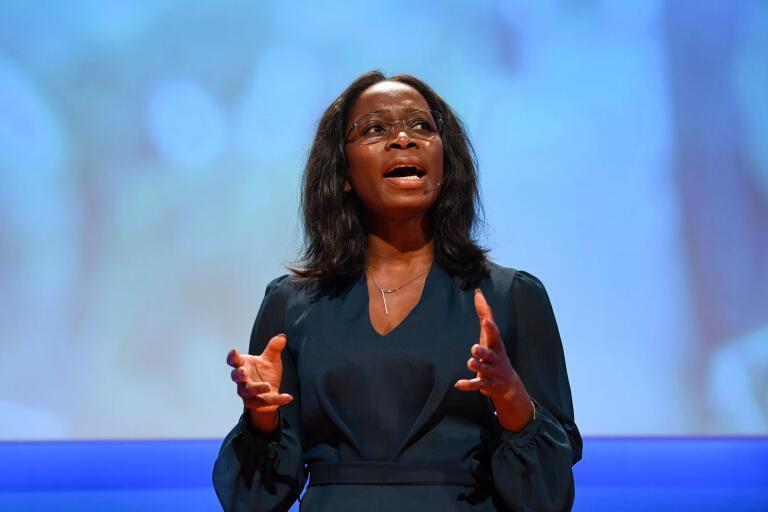 Liberalernas partiledare Nyamko Sabuni (L) talar på Liberalernas landsmöte.
