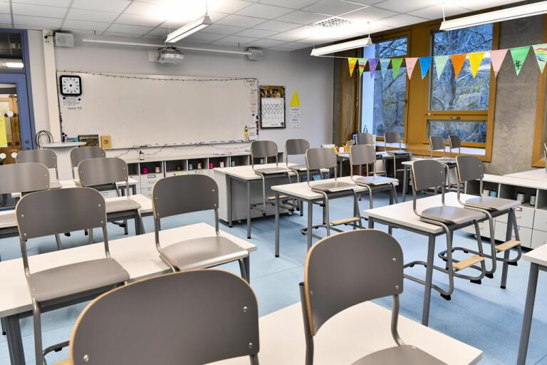 Skolan i Kalix stänger sedan flera personer bekräftats smittade av det nya coronaviruset. Skolan har elever från förskoleklass upp till årskurs sex. Arkivbild.