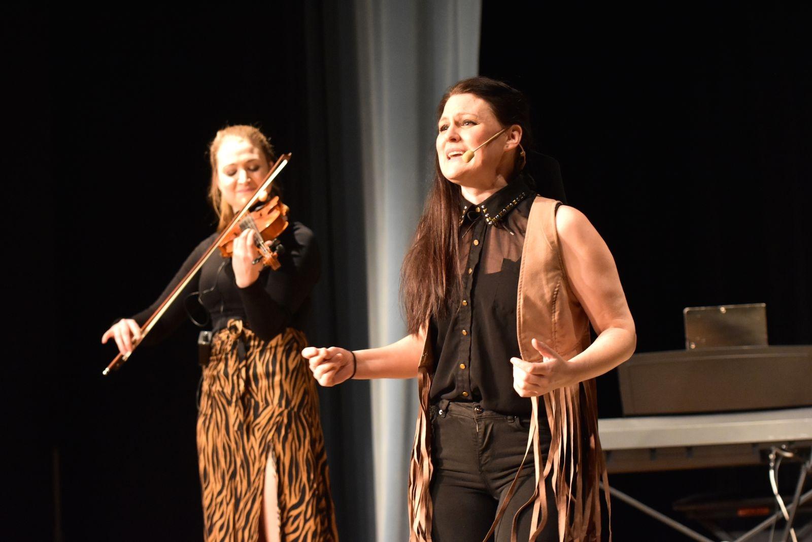 Evelina och Ida Seve bjuder på fantastiska melodier och härliga stämmor.