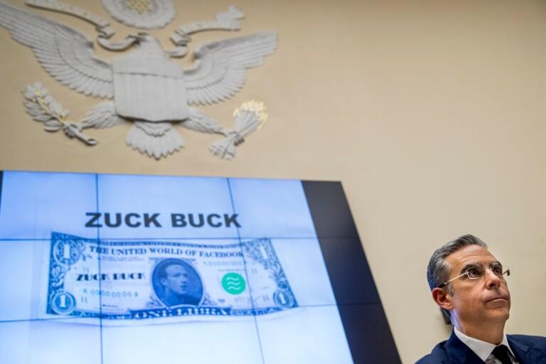Satirisk bild visad vid amerikanska senatens utfrågningar med representanter från Facebook.