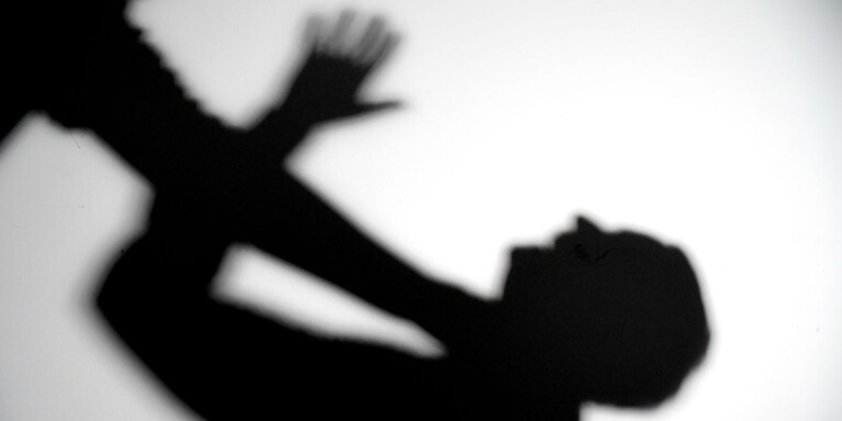 En kvinna i 25-årsåldern åtalas för misshandel efter en händelse i mars i år. Bilden är en genrebild.