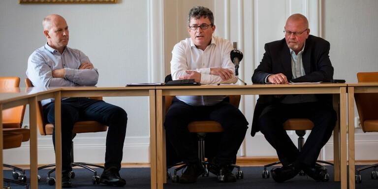 Spricka i fasaden? Helmuth Petersén, till höger, och hans Sverigedemokraterna, kan stjälpa Moderaternas och Kristdemokraternas plander för 2021. Till vänster Erik Lundström (KD) och i mitten kommunalrådet Mikael Rubin (M).