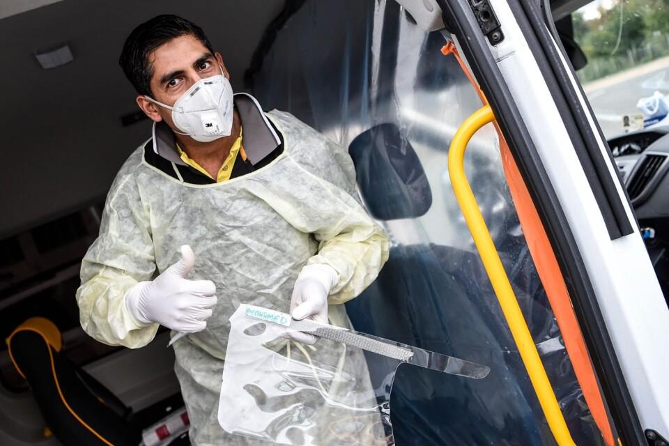 Mohamed Akrim älskar sitt jobb, även om han tänker mycket på hur mycket de sjuka lider.