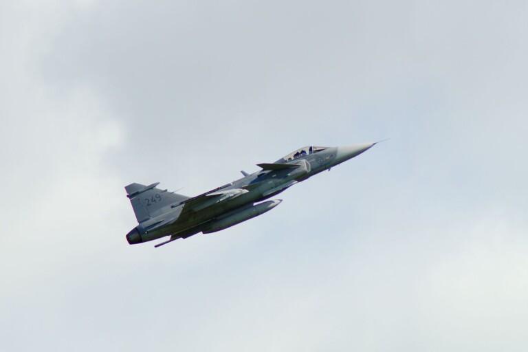 Flera Jas-plan flög på låg höjd över Öland