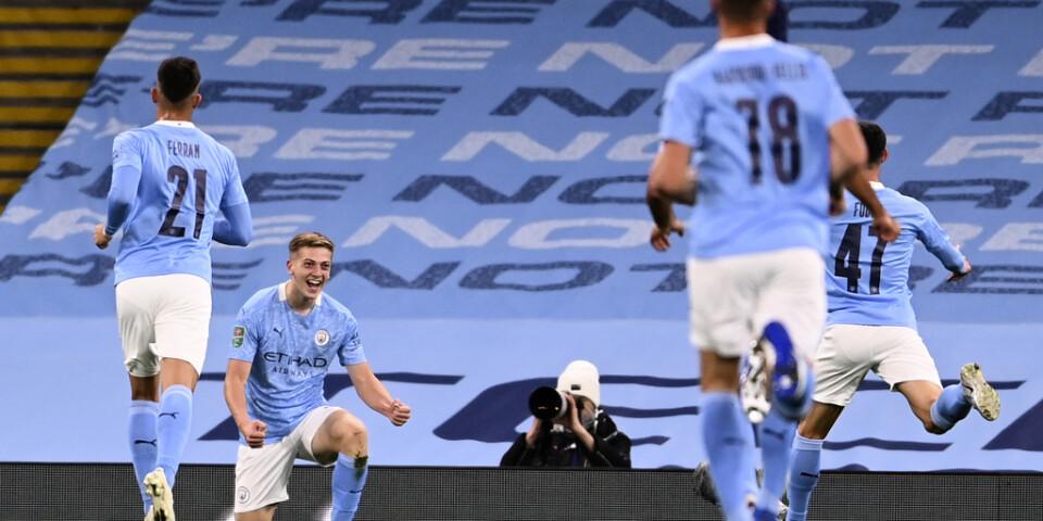 Liam Delap och Man City firade avancemang i ligacupen.