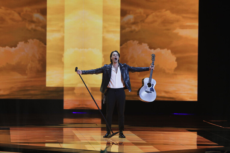 Victor Crone från Sverige gick vidare med sitt framförande av Estlands bidrag