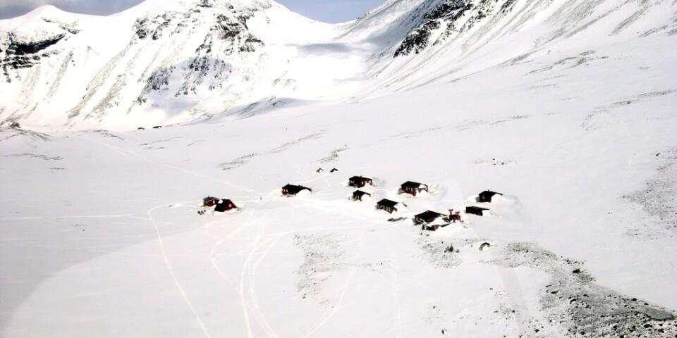 STF:s fjällstugor i Tarfalavagge i Kebnekaisemassivet är några av de som nu kommer att stängas. Arkivbild.