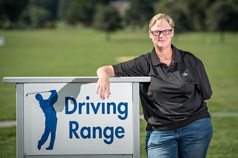 Ulrika Ekelund Ringman jobbar på Olofströms golfklubb, men bor i Sölvesborg och en stad som hon tycker har blivit mer otrygg den senaste tiden.