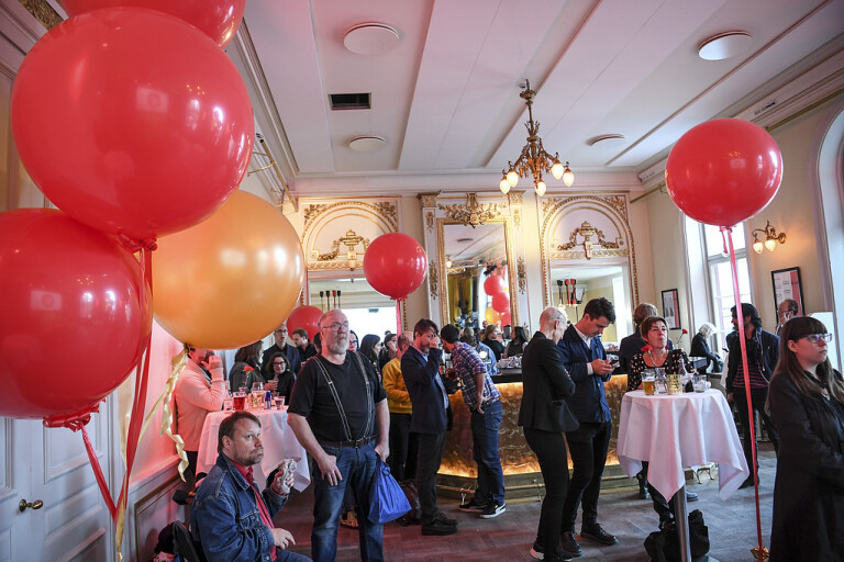 EU-valet: Björk åker tillbaka till Bryssel ensam
