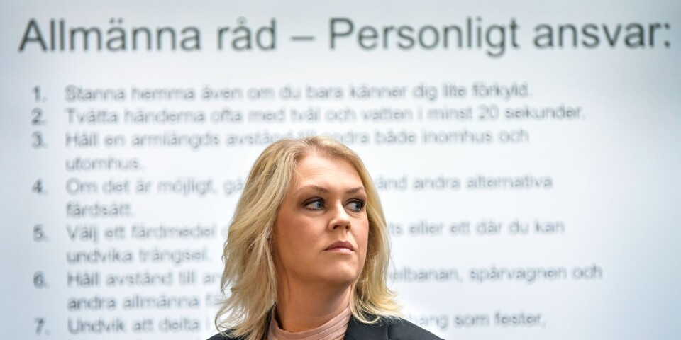 The recommendations that apply to everyone remains, points out the Minister for Health and Social Affairs Lena Hallengren (S): Keep your distance, wash your hands, stay at home if you are ill and avoid travelling by train and bus.