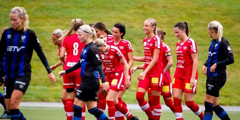 Bergdalens Stina Jensen har gjort mål på Ulricehamn. De båda lagen är placerade i samma serie även till nästa år.