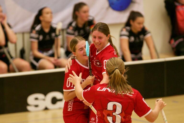 Linda Zetterling avgjorde matchen i förlängning. Craftstaden toppar tabellen efter fyra omgångar i division 1.