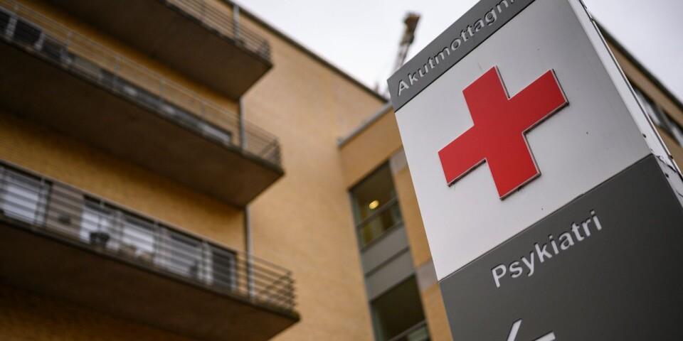 En skylt visar vägen till akutmottagningen för psykiatri på Skånes Universitetssjukhus i Malmö ( SUS Malmö ).