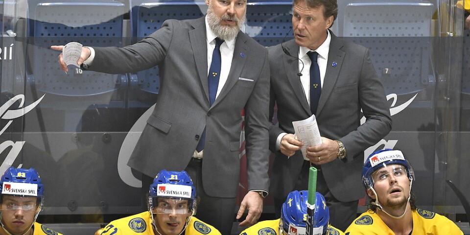 Tre Kronors förbundskapten Rikard Grönborg, till vänster, och assisterande tränare Johan Garpenlöv.