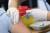 Covid-19: Hundratals har anmält biverkningar av vaccinet