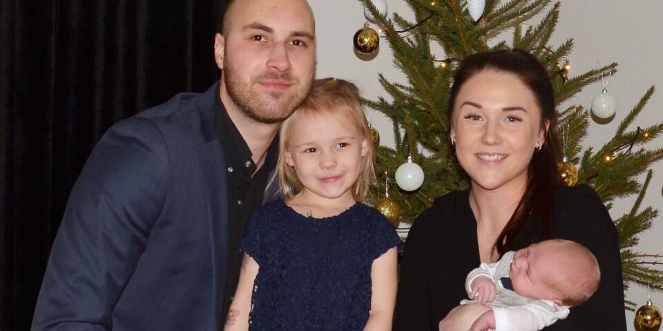 Pernilla Ågren och Alexander Pettersson, Oskarshamn, fick den 22 december en son som heter Harry. Vikt 3360 g, längd 52 cm. Syskon: Holly.