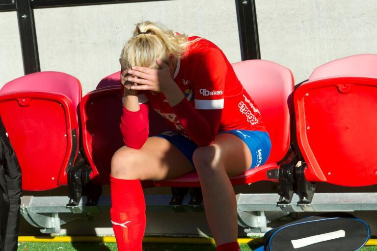 Victoria Casswall (då Johansson) deppade efter matchen.