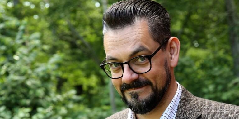 """Daniel af Wåhlberg har släppt sin nya bok """"Döden viskar ditt namn""""."""