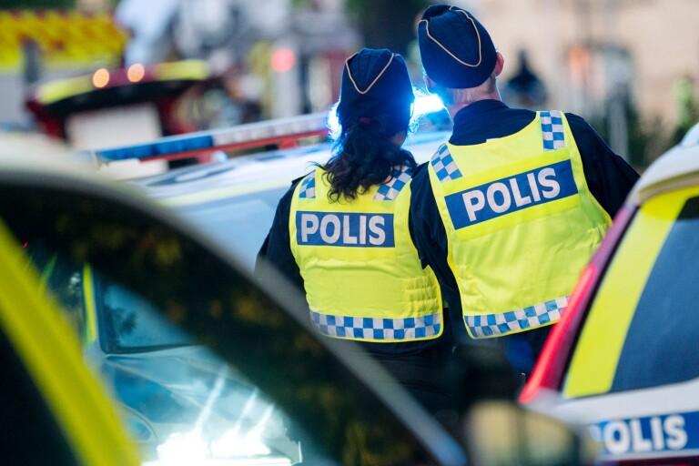 """Polisen varnar för stök: """"Buskörning, festande hög musik"""""""