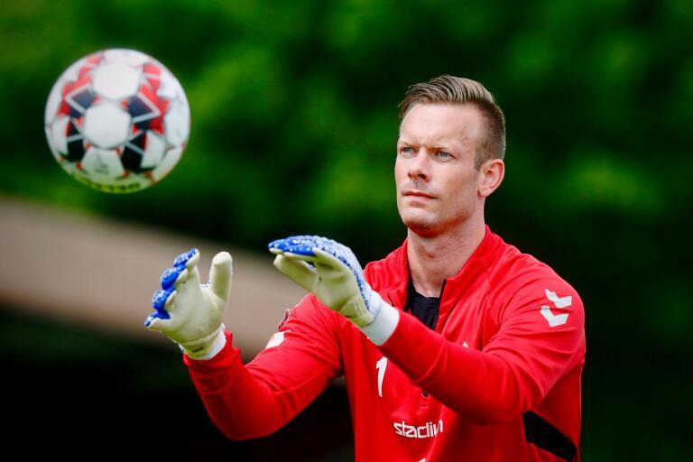 Viktor Noring lämnade Kalmar FF i vintras. Nu har han gjort klart med konkurrenten Falkenberg.