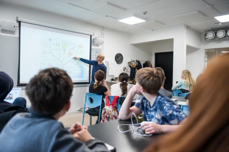 Usel löneutveckling inte svaret på tilltagande lärarbrist