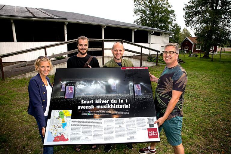 Hultsfred - The Walk.The Walk är en cirka 2 km lång resa genom musikens Hultsfred, från dåtid till nutid.Malin Albertsson, Jonas Hjalmarsson, Stefan Ölvebring och Putte Svensson Sahlin är med  att permanenta utställningen.
