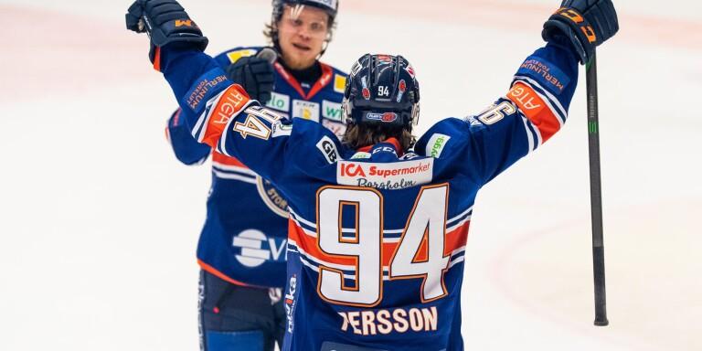 Joel Persson och Ludvig Nilsson jublar.