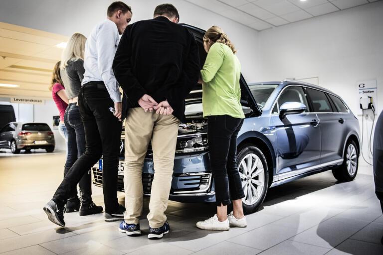 Bilförsäljningen rasar i Danmark. Arkivbild.
