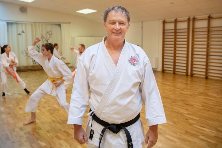 Mike brinner för karate-do