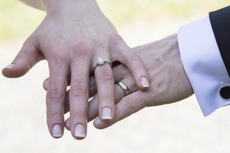 Bromölla laddar för bröllopsmässa