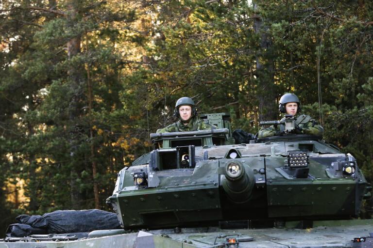 Fortsatt dödläge i partiernas förhandlingar om framtidens svenska försvar. Arkivbild.