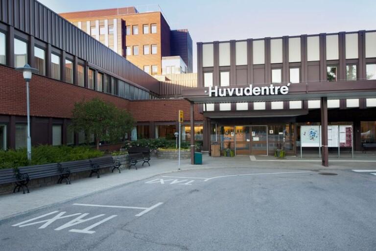 Brott: Man slog sjuksköterska i magen