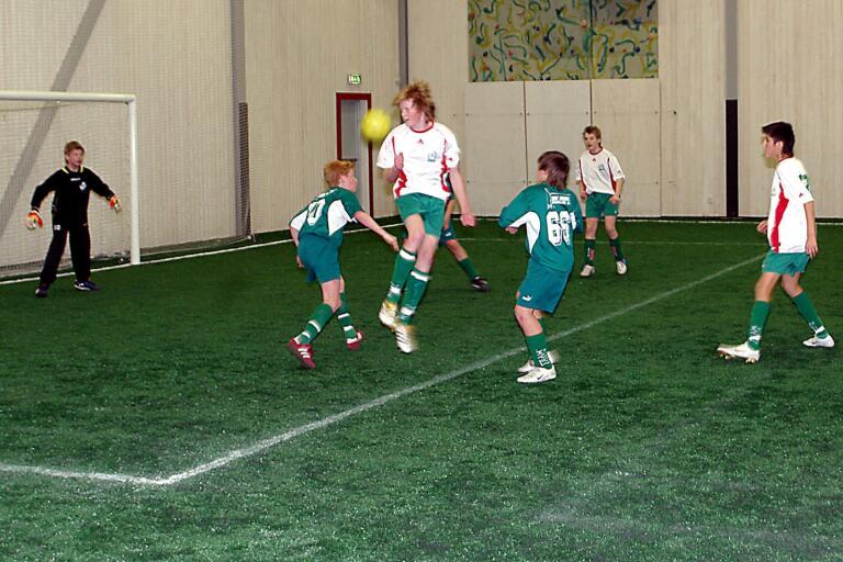 Fotbollsplan kan bli bollhall