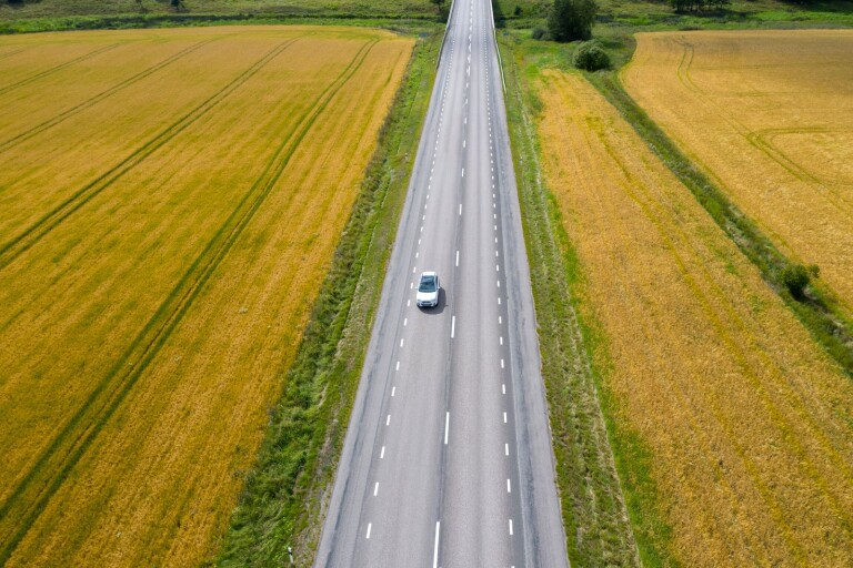Dyrare bil klyver landet