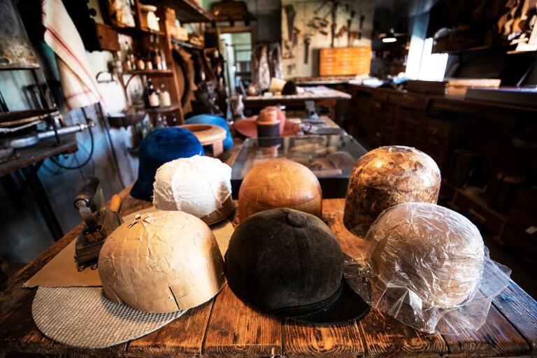 """2014 utnämndes det Borgquistska hattmuseet till årets arbetarmuseum. """"Det finns drygt 1 450 arbetarmuseum i Sverige, så det var enormt stort att vi blev utvalda"""", säger Christer Andersson, viceordförande i föreningen Gamla Trelleborg."""