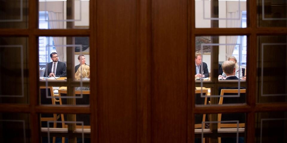 Migrationskommittén höll sitt första sammanträde i september 2019. Under fredagen avslutas arbetet och ett betänkande ska lämnas över till migrationsminister Morgan Johansson (S).