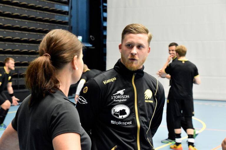 Mathias Ekstrand är på plats. På måndagen träffade HIF Karlskronas nye tränare spelartruppen för första gången.