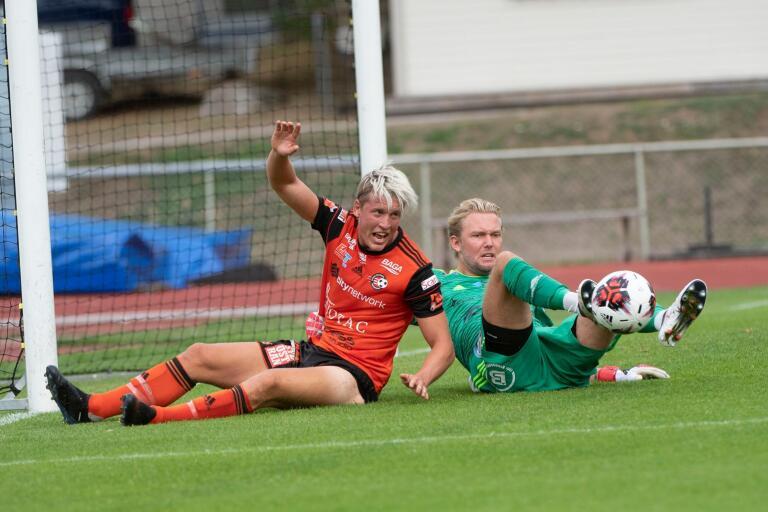 FK Karlskrona tar emot Ängelholms FF.