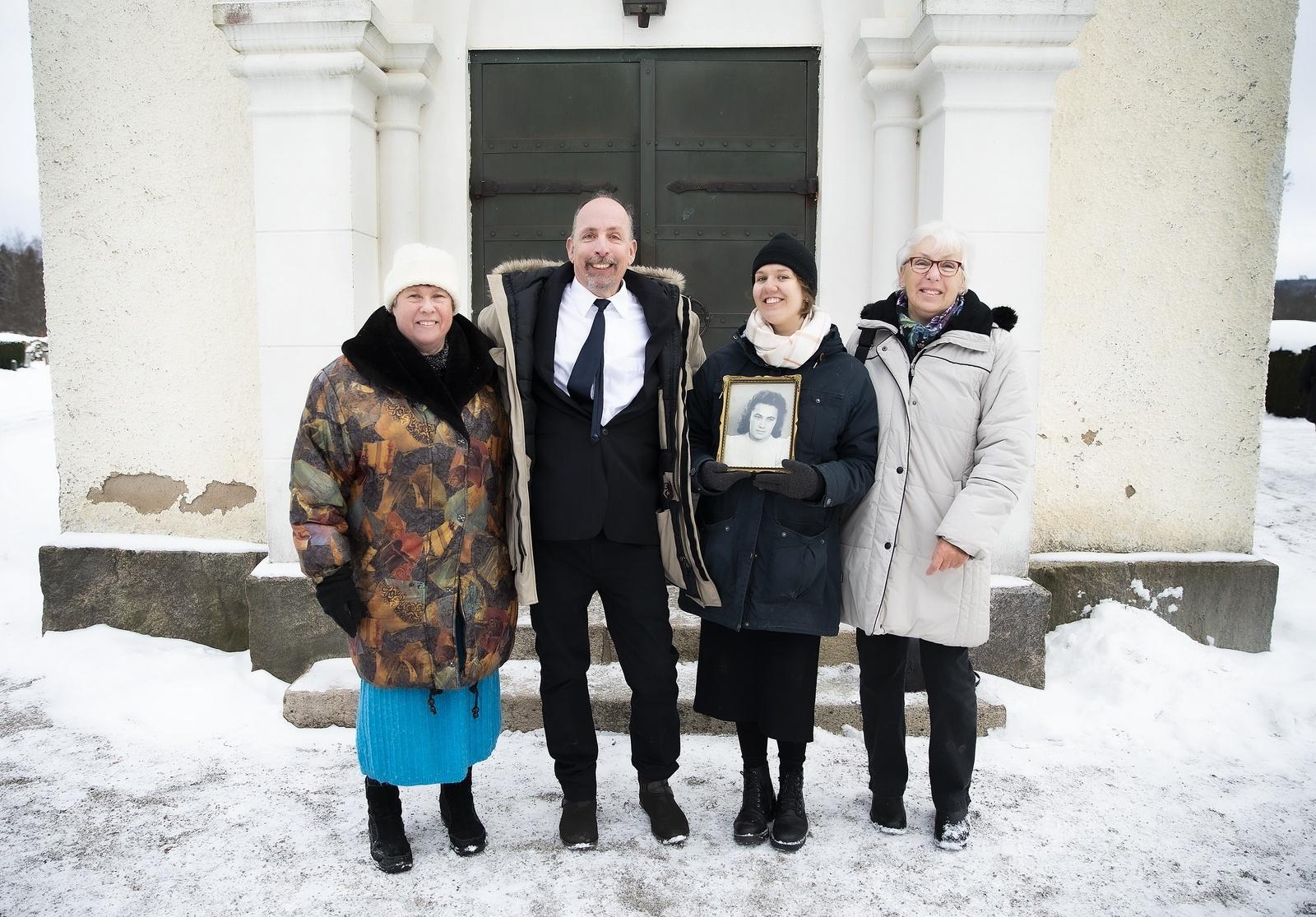 Iris och Adrianna tillsammans med Jan-Erik Pawlus och Iris kusin Eva Filipiak.