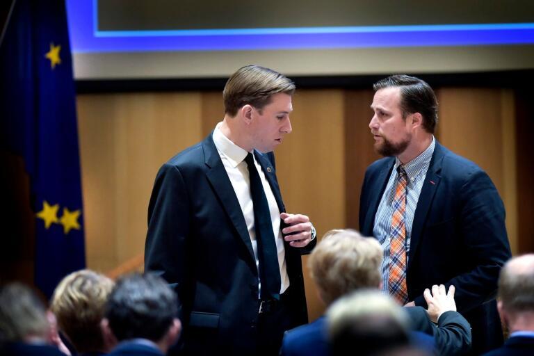Henrik Fritzon (S) och Carl Johan Sonesson (M) är som vanligt huvudkombattanter i regionfullmäktige.