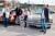 Sonja Fangmann, Rolle Skruven, sheriffhunden Nicki, Ingmarie Granlund och Christer Sjöström möttes på en parkering där de kollade på cruisingbilarna.