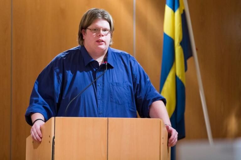 Magnus Larsson (C) reagerar starkt på att räddningstjänstens styrka i Kristdala nu minskar.