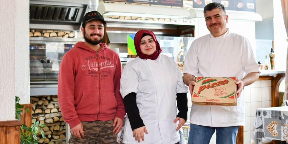 Den grillade kycklingen är ny på menyn. Nytt är även de generösa öppettiderna. Sedan början av mars är det Ali Mrashi, Lamia Nakama och Abdulmannan Ahmad som möter gästerna på Borrby pizzeria och restaurang.