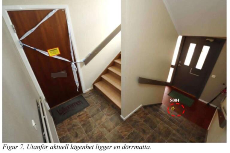Mordet skedde inne i en lägenhet i ett flerfamiljshus i Ulricehamn. FOTO: Ur polisens förundersökning