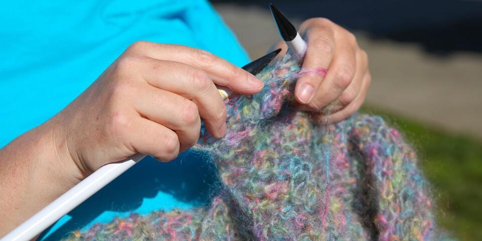 Ingrid Ahnelövs projekt är en stor sjal i Mohairgarn inspirerad av 80-talets färger.