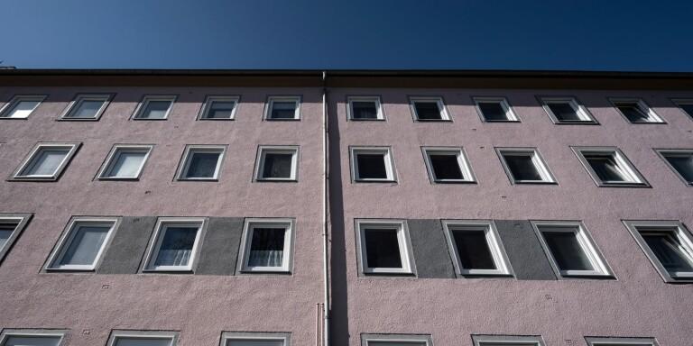 Skribenten är positiv till stadsutvecklingen och menar att man kan bredda synfältet några våningar upp!man kan bredda synfältet några våningar upp!