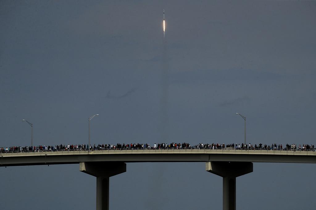 Känslosam Elon Musk när rymdskeppet lyft