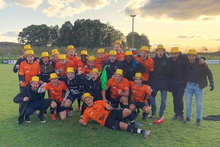 I fjol vann 100-årsjubilerande Fritsla IF Kinnasexan. I dag fick laget klartecken för att spela seriepremiär i division V innan sommaren. Fritsla spelar sin premiär mot Limmared den 29 juni.