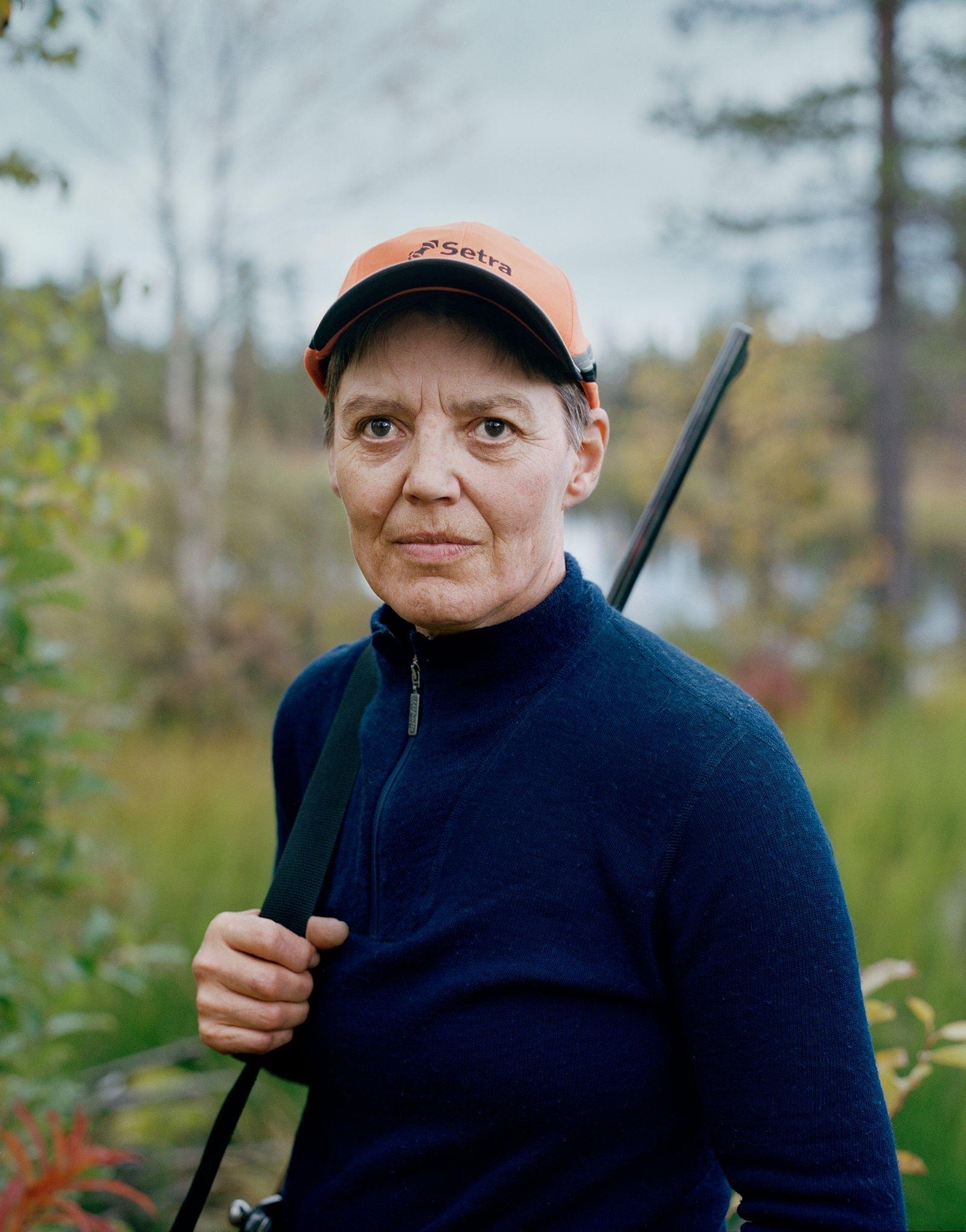 Eva, Rabnaträsket, 2016. Tagen från serien Predators (2018), om kvinnliga jägare i Sorsele.