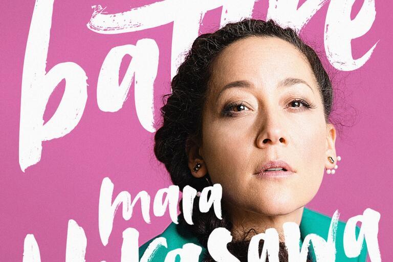 Maia Hirasawa tar hjälp av sin 40-årskris.